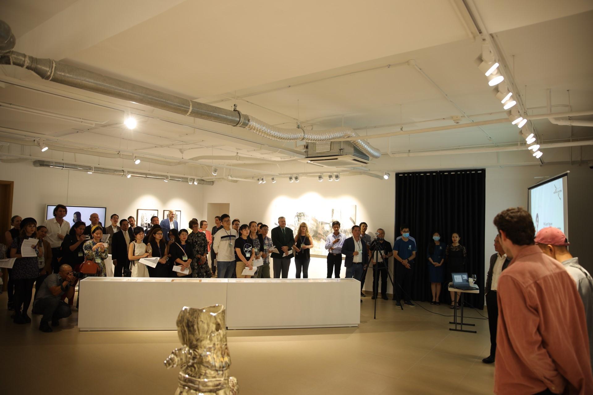"""EMASI x Nguyen Art Foundation: Trưng bày nghệ thuật """"Con người, Vinh quang và Cuộc sống sau Chiến tranh"""""""